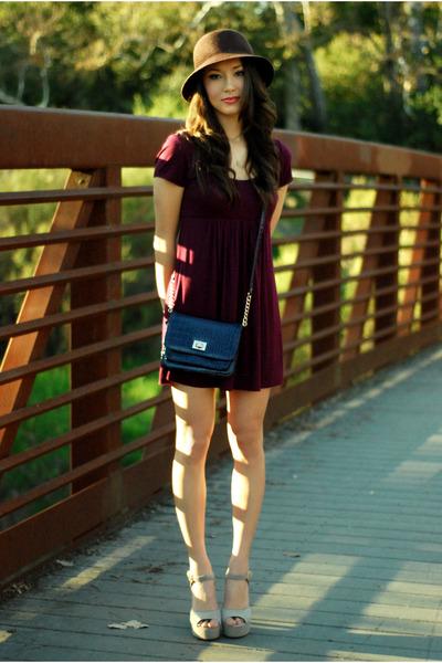 beige-steve-madden-heels-maroon-forever-21-dress-deep-purple-aldo-purse_400